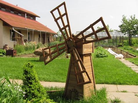 Скульптура из фанеры - мельница